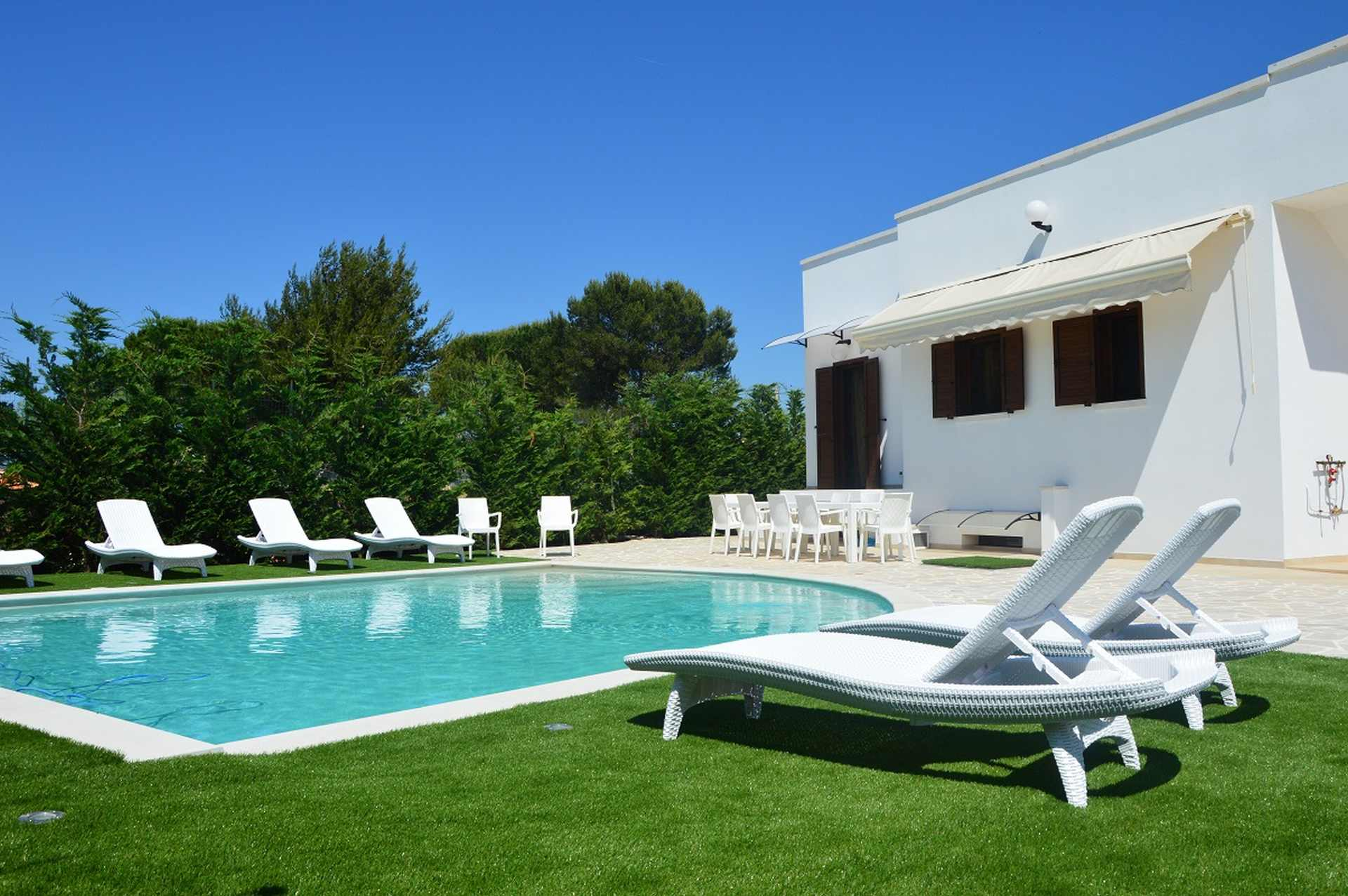 Ferienhaus mit Pool für 10 Personen