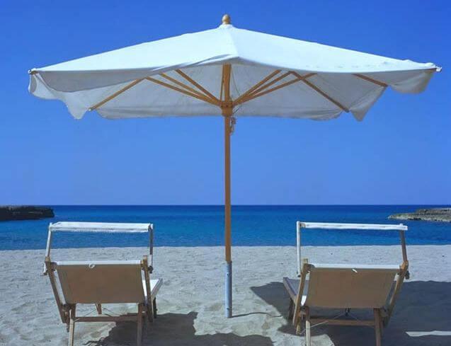 Ferienhaus mit Pool direkt am Strand